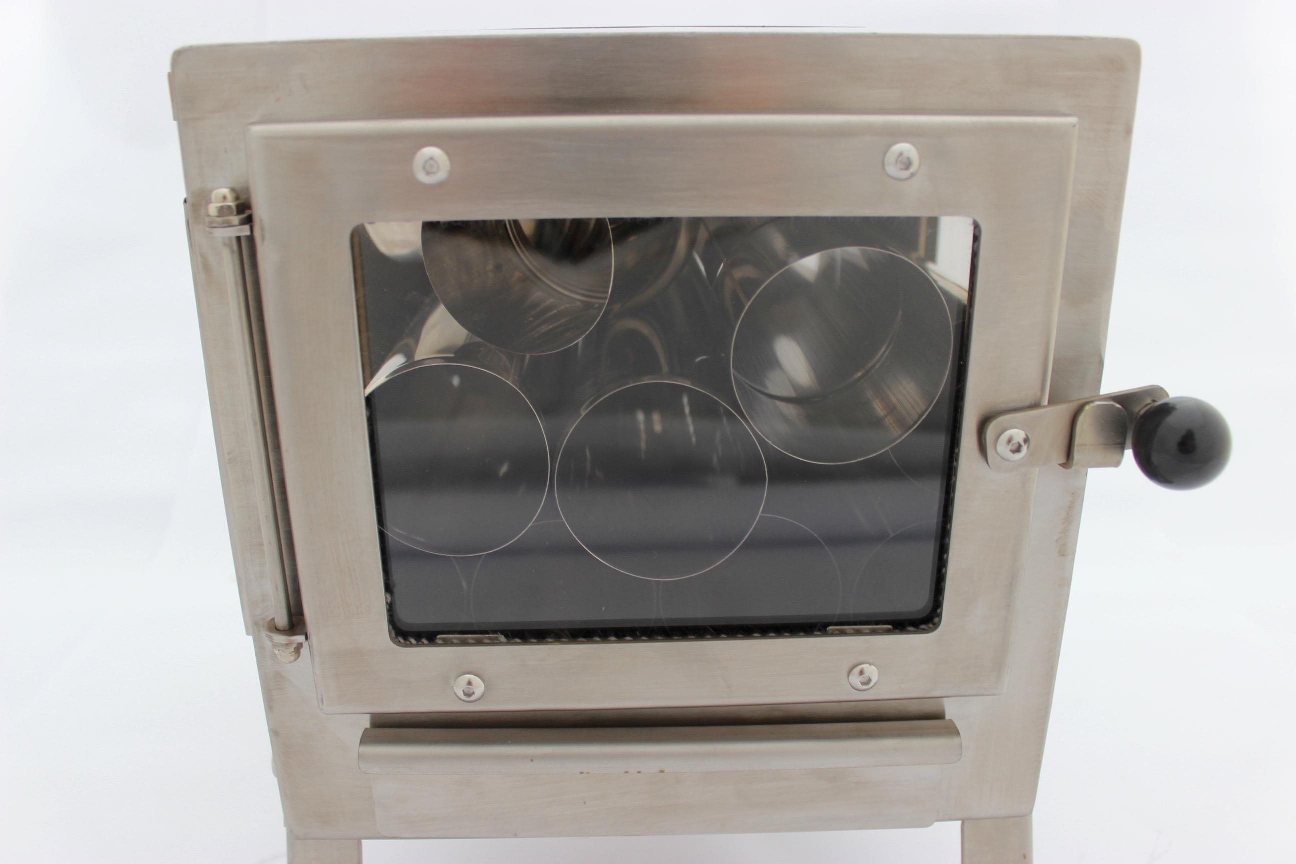Nomad Clear View Stove With Roof Or Side Exit Flue